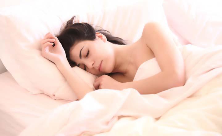 I batteri intestinali sono responsabili delle calorie bruciate mentre si dorme