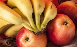 12 alimenti che possono danneggiarti se li mangi nel momento sbagliato