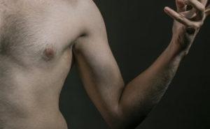 I batteri intestinali che producono alcol possono causare danni al fegato