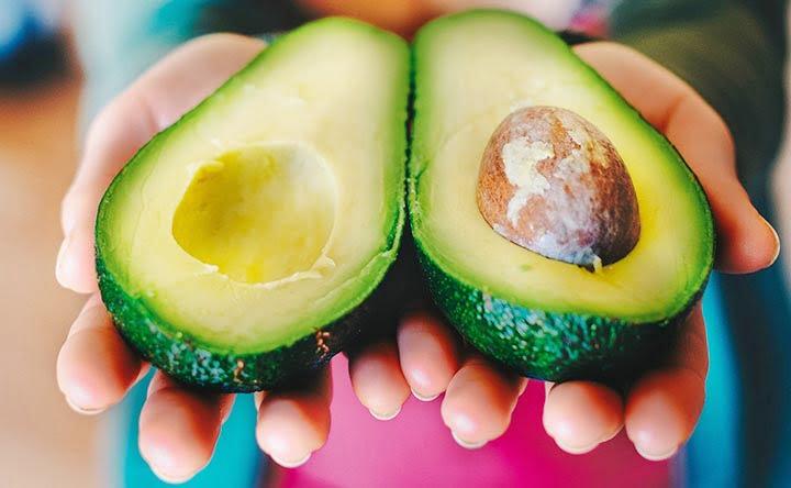 Sei in sovrappeso? Migliora la concentrazione con l'avocado